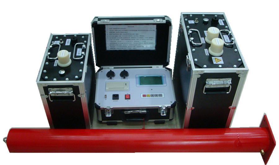 超低频耐压试验装置/绝缘耐压试验仪 型号:DPVLF 超低频绝缘耐压试验原理: 超低频绝缘耐压试验实际上是工频耐压试验的一种替代方法。我们知道,在对大型发电机、电缆等试品进行工频耐压试验时,由于它们的绝缘层呈现较大的电容量,所以需要很大容量的试验变压器或谐振变压器。这样一些巨大的设备,不但笨重,造价高,而且使用十分不便。为了解决这一矛盾,电力部门采用了降低试验频率,从而降低了试验电源的容量。从国内外多年的理论和实践证明,用0.